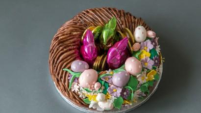 Osternest Torte