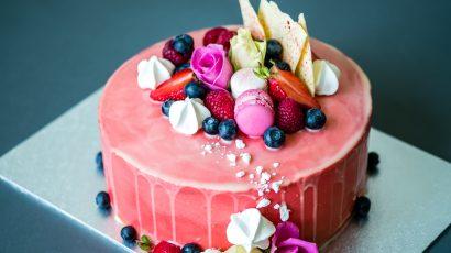 Summer Fruits Drip Cake